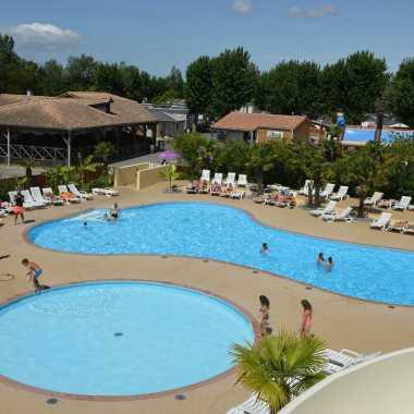 village corsaire des deux plages espace piscines